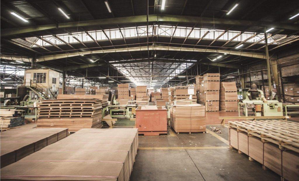 Fábrica de puertas y armarios de madera en Madrid
